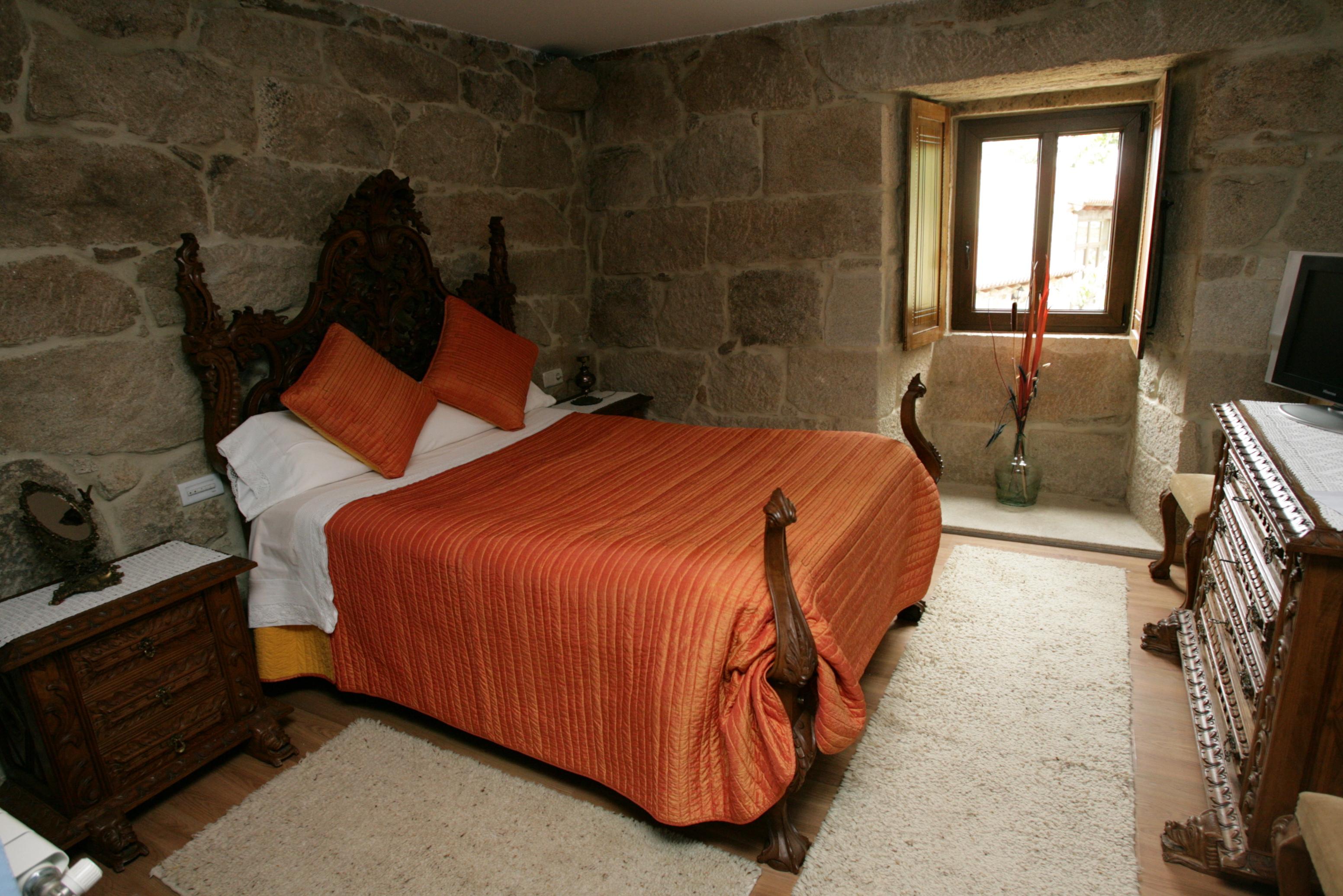 http://pazodeludeiro.com/wp-content/uploads/2015/07/habitación-doble-3a.jpg